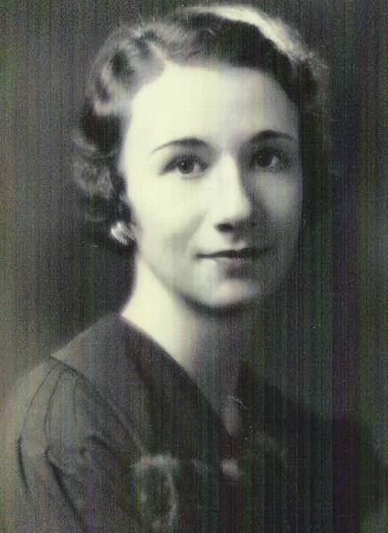 Mary Luella Nauman (1908-2004) was born in Oberlin, Kansas to Hiram and Bessie (Ream) Nauman.  While we know little about Mary's early years, we were fortunate enough to meet her when we finally tracked down Les Galey, whom she had married in 1946 in Kansas.  And what a delightful person she was!  It was the 1980s before we came to know Mary, but we enjoyed corresponding with her for many years until she passed away in 2004.