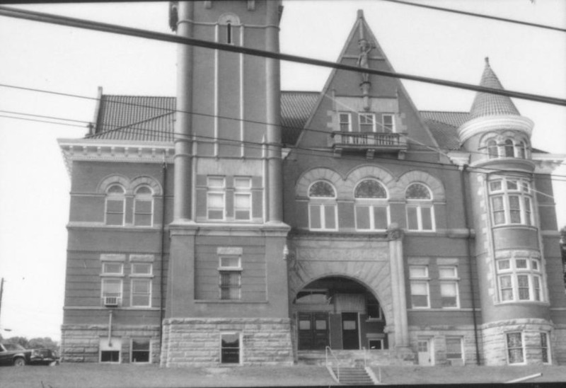 position10courthouse4-79g