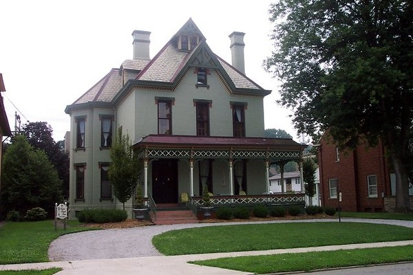 Harnett House