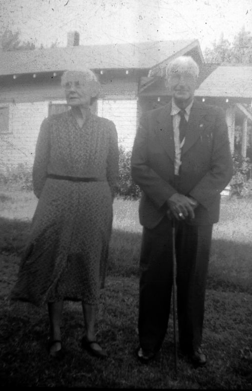Unknown woman (probably the mother of Allene Griffith) and Joseph Jefferson Griffith.