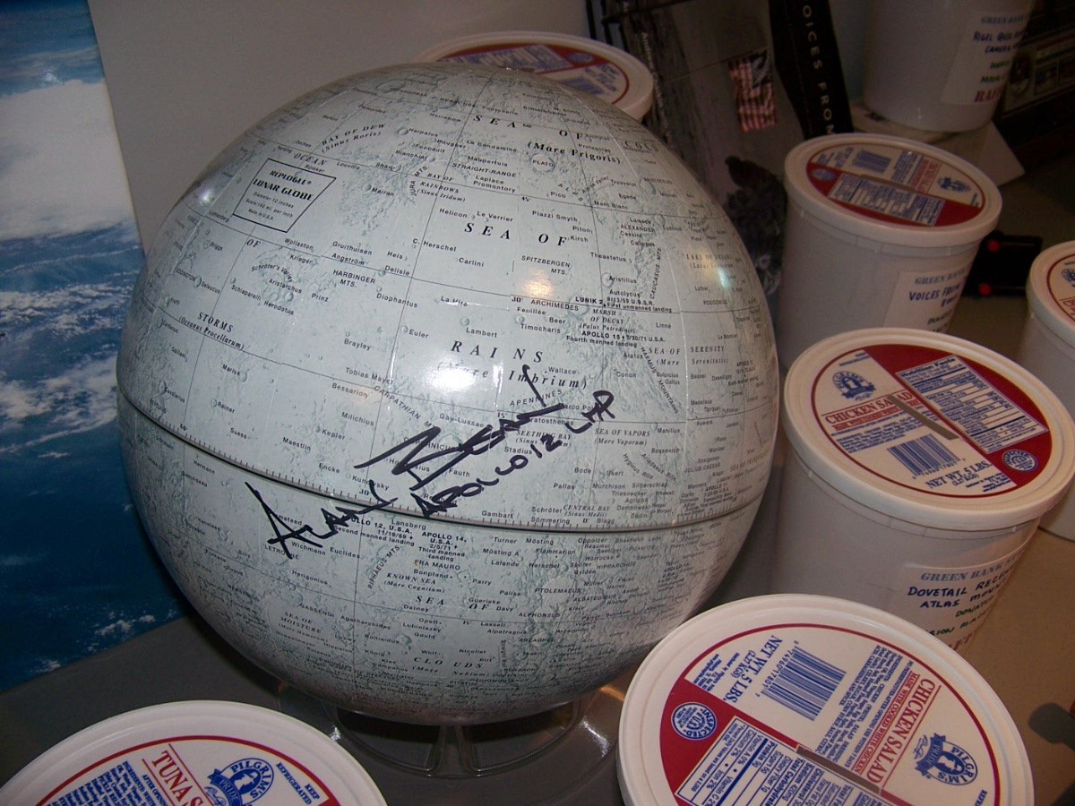 OMG!! A sighned globe by a moon walker