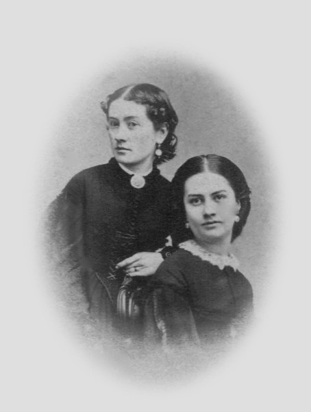 "Captioned ""Jarley Chidgey Braggins and Eliza Chidgey Gale"". Unless ""Jarley"" is a nickname, there is no such sister.  Moreover, neither appear to be Eliza Chidgey."
