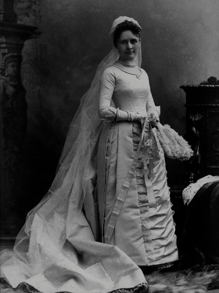 Mary Hill Wedding Gown