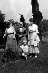 "4 Generations (L to R): Mary Wentworth Mathivet Hill, Mary Chidgey Mathivet, Gladys Wentworth Hill Johnson, Benjamin ""Ki"" Johnson, circa 1916"