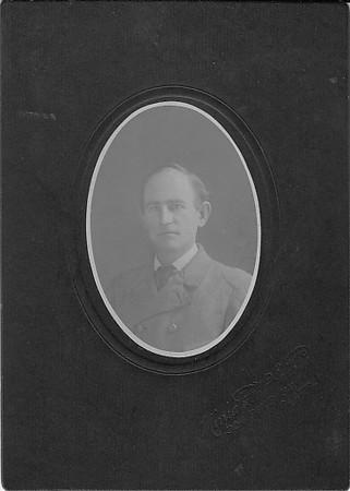 Bruce Lawrence Keene, 1907; Seattle, Miiniatand Photo