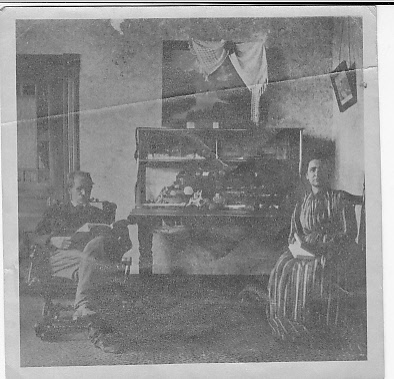 Henry S. Keene and Minnie Keene at home, Seattle.