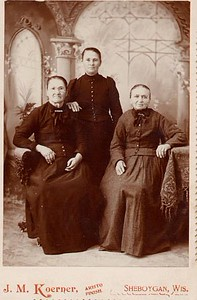 Magdalena (Brielbach) Klimmer Fruetchl with daughter Walburga and grandaughter Mary Brandle