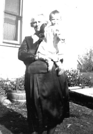 Margaretha (Maggie) and granddaughter Joyce Herdrich