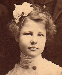 1895 Lawrence, Louise Catherine (Louishen) Birth date: 21 Jul 1883 (Twin with Hartmann, Rolf Heinrich)