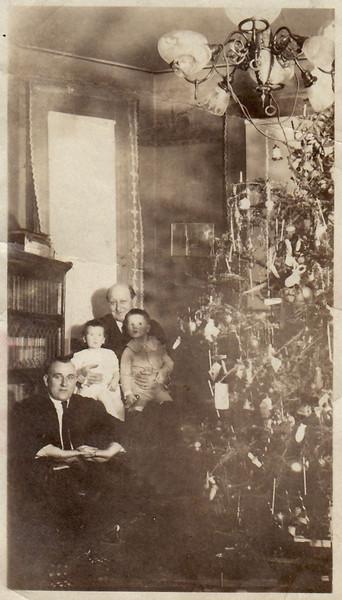 1921 December 25 Parlor at 416 North Church Street Waldo, Jane, Otto, and David Krebs
