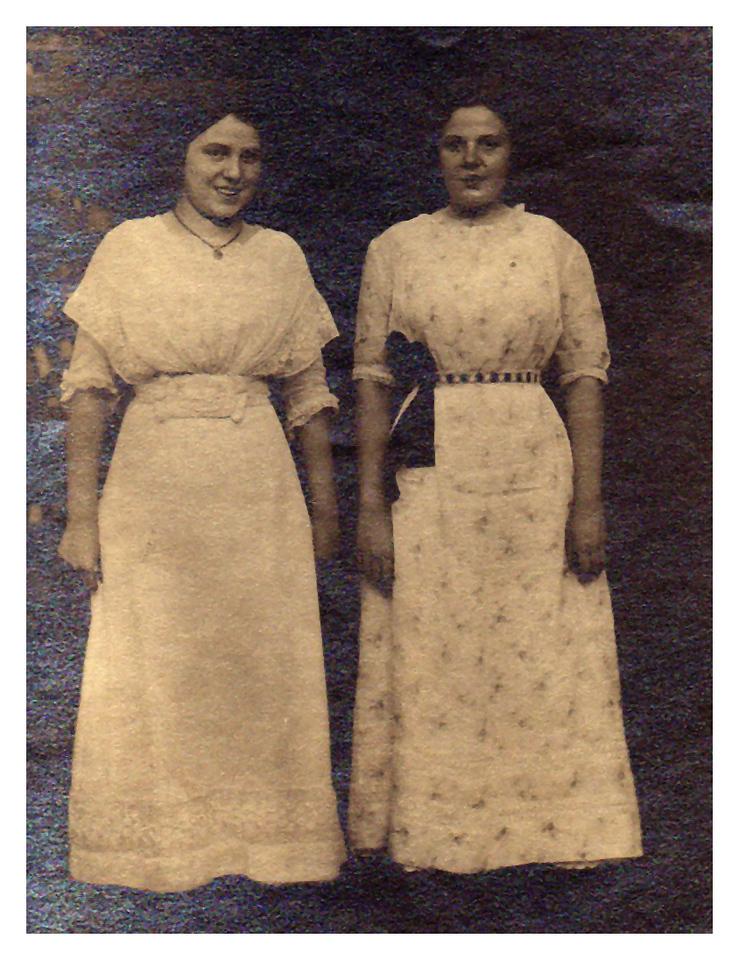 1912 Celestra Schramm (friend), and Hedwig Wangelin Belleville, IL
