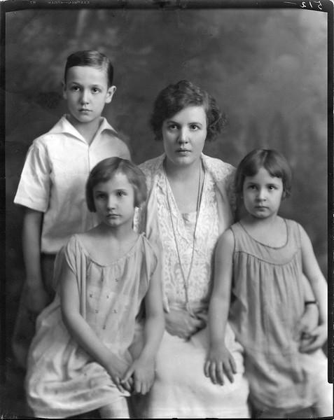 1927 (Approx.) David E. Krebs, 10 Jan 1919 - 22 Oct 2001; Hedwig W. (Wangelin) Krebs, 1 Aug 1895 - 23 May 1989; Jane M. Krebs, 10 Apr 1920 - 23 Jul 2013; Wanda H. Krebs, 9 Oct 1921 - 8 Jan 2018