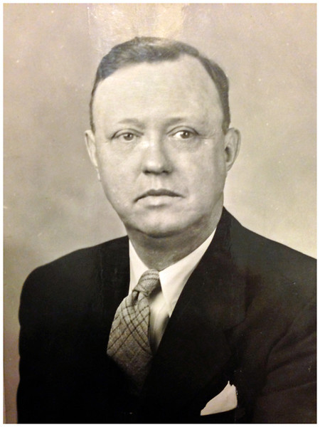 1930 Wilbur (Wib) Edward Krebs Birth date:	31 Aug 1893 Death date:	8 Oct 1965 Attorney, Private Practice. Lived at 419 E High Street, just east of Main south of downtown in Belleville, IL.  Master in Chancery
