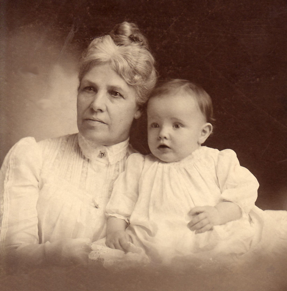1900 Anna Amalie Katerina (Von Berg) Hartmann with her grandson Evans Hugo Wangelin. Anna Birth date: 3 Sep 1841 Death date: 25 May 1914