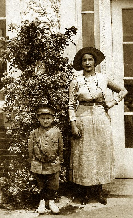 Mary (Fusi) Lombardi with son Guido. Belle Isle, ca. 1918