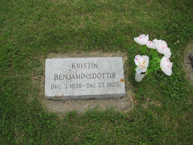 Great-Grandmother-Kristin-Grave