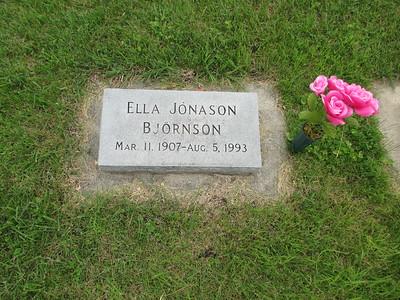 Aunt-Ella-Grave