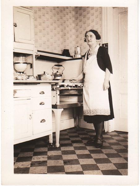 Anna Mueller at home