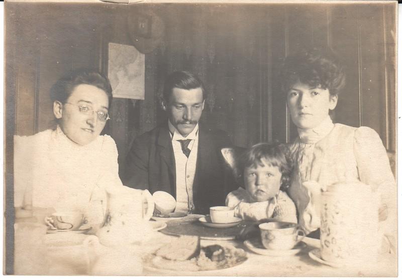 Anna, William, Angela and Theodore Mueller