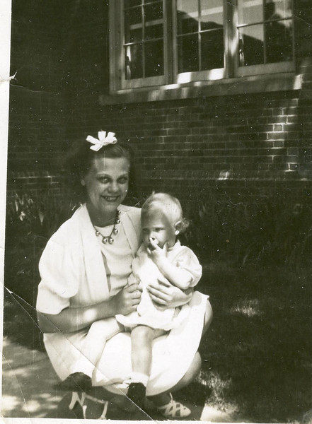 Agnes (Anderson) Archer and daughter Sharon