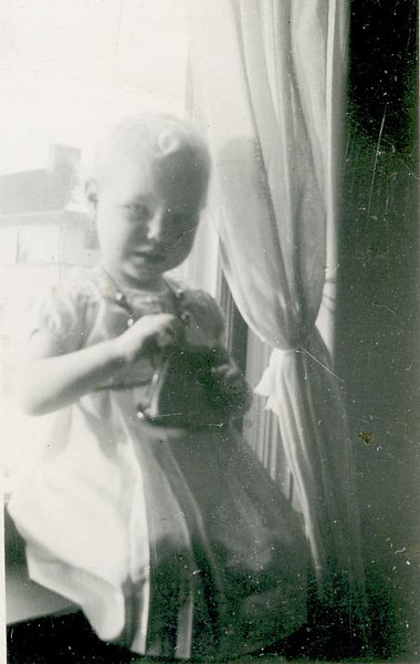 Sharon Voliva, daughter of Agnes (Anderson) Archer and Ercil Voliva