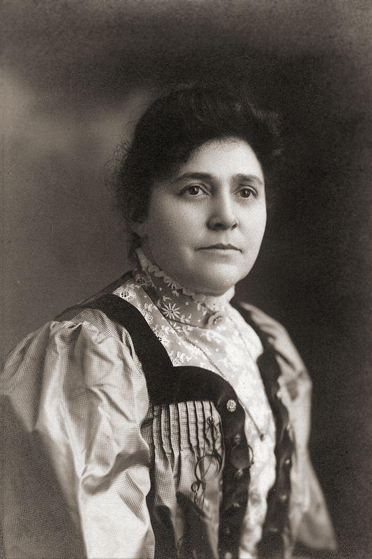 Ottelia Ogle in 1906.
