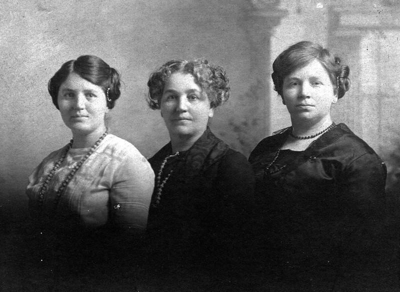 Gertrude-Loretta-Florence-Snodgrass