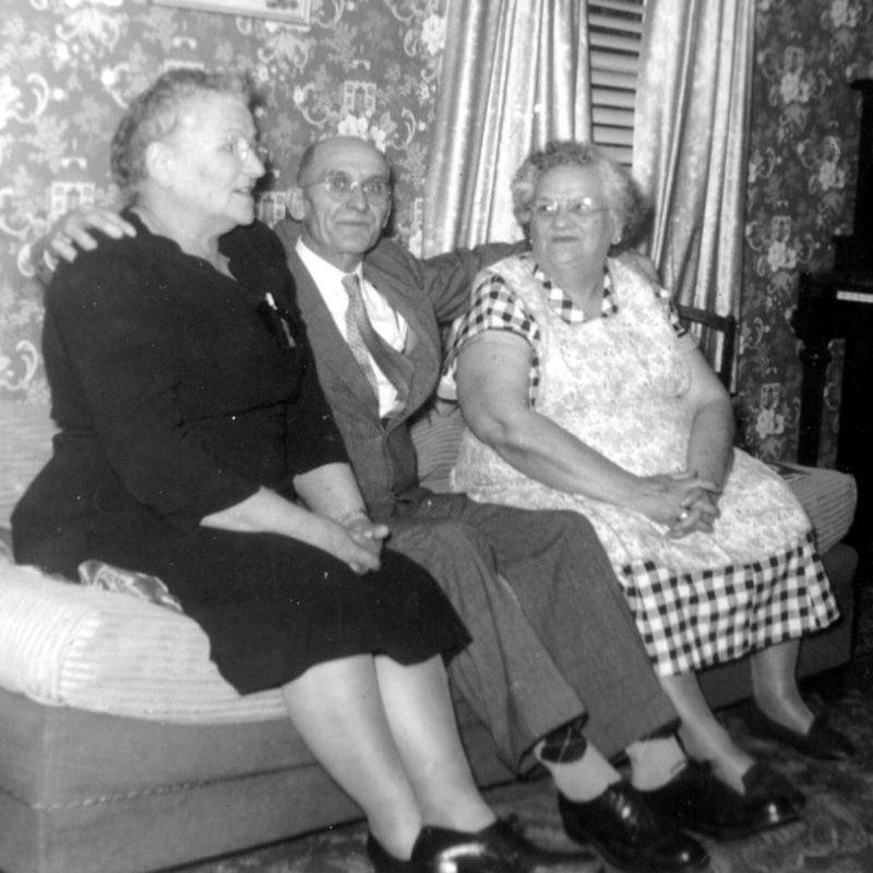 ÉMILIE (SIROIS) & THOMAS PELLETIER .... Marie Sévigny (soeur d'Émilie)