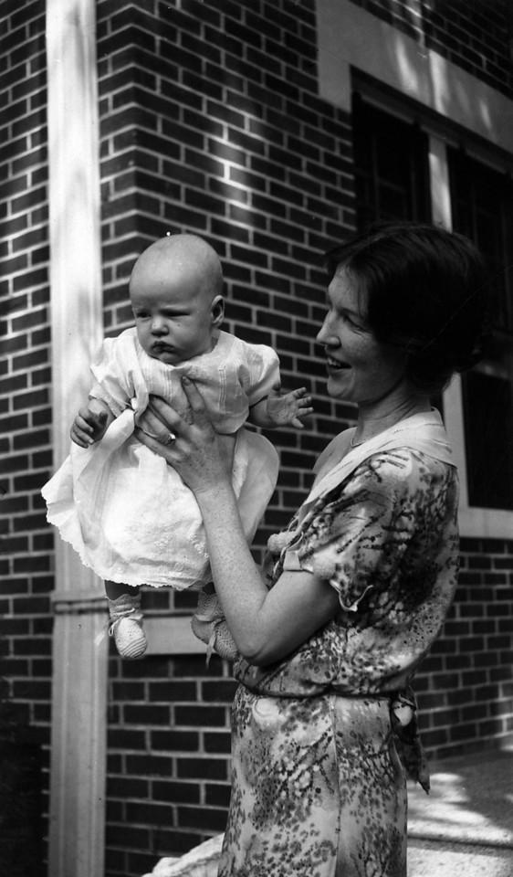 Lee Phillips III, Anne Katherine Innes Phillips ca. 1931.