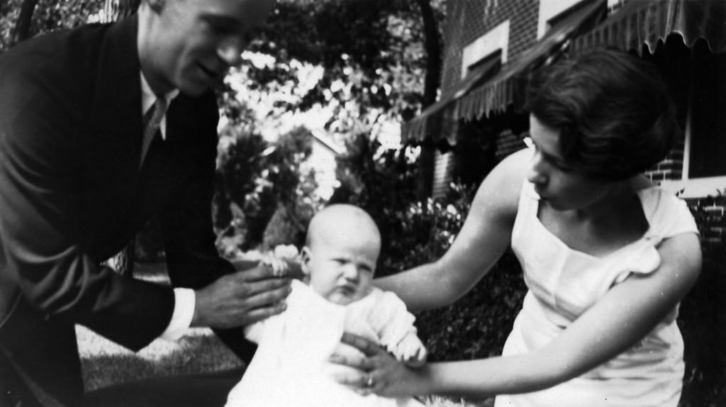 Lee Phillips Jr., Lee Phillips III, Anne Katherine Innes Phillips ca. 1931.