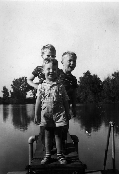 1937 (written on back).  From back to front, Lee Phillips III, Walter Innes Phillips, unknown boy.