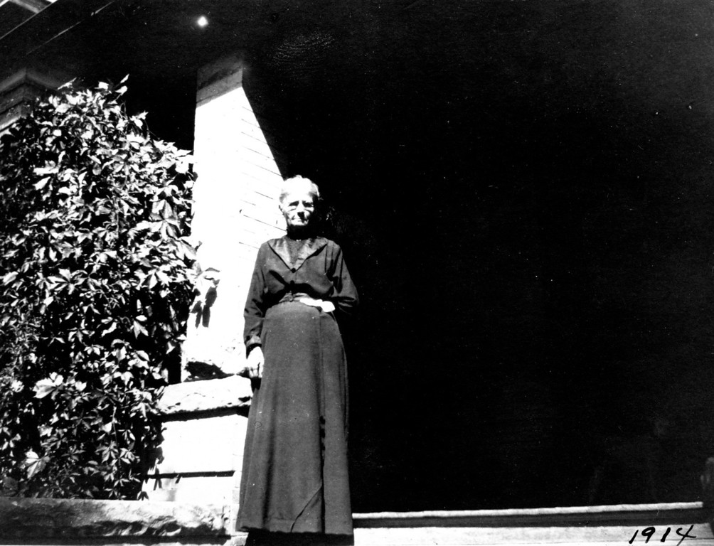 Caption reads: 1914<br /> On back: Mother - 1547 Gaylord - 1914<br /> (Martha Ellen Rogers Carr)