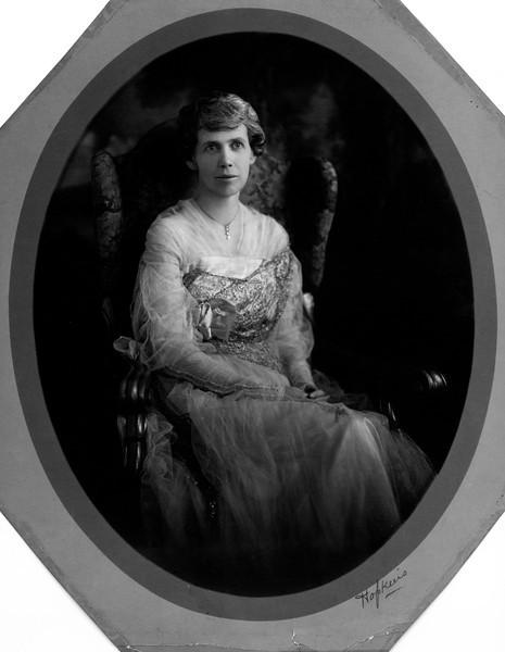 "Lenora Carr Phillips ""Miss Nodie"""