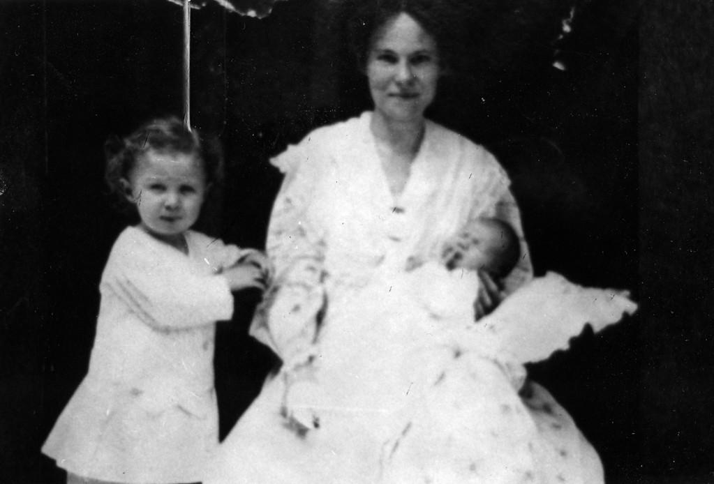 1905.  From left to right:  Walter Pease Innes Jr. (1902-1977), Margaret May Brown Innes (1874-1946), Anne Katherine Innes (Phillips) (1905-1993).