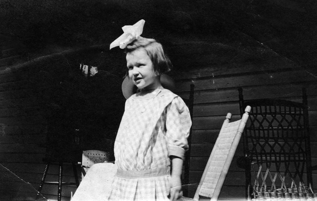 1910, Florida.  Anne Katherine Innes (Phillips) (1905-1993).