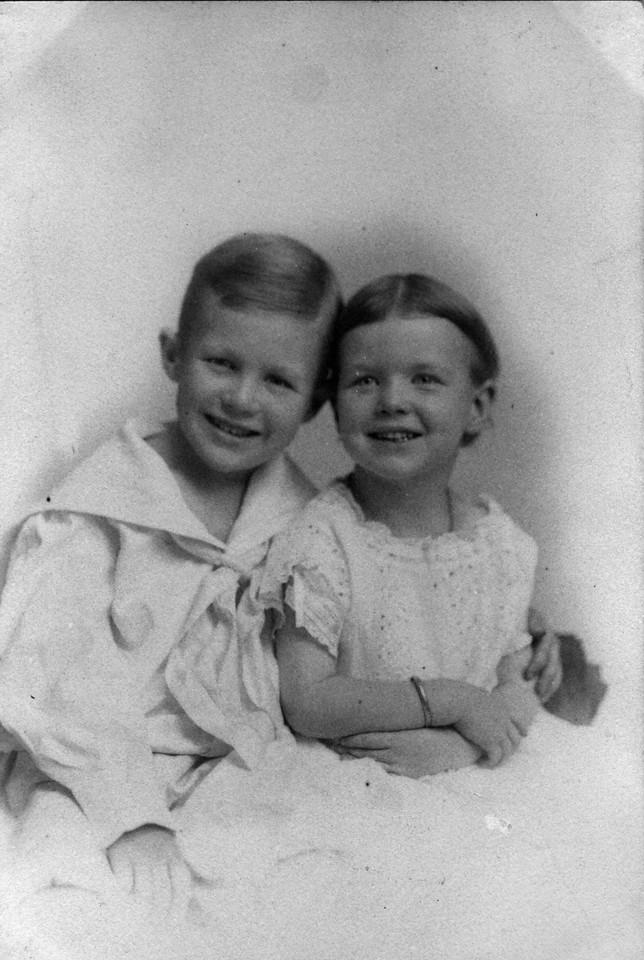 Walter Pease Innes Jr. (1902-1977), Anne Katherine Innes (Phillips) (1905-1993).