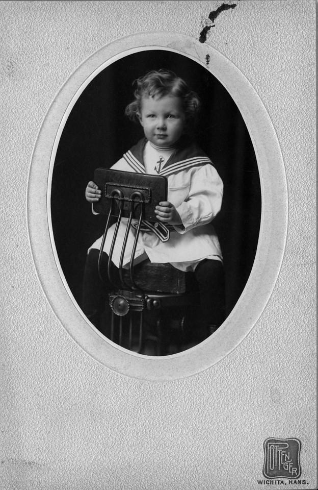 Walter Pease Innes Jr. ?? (1902-1977).  Photo:  Pottenger, Wichita, Kansas.