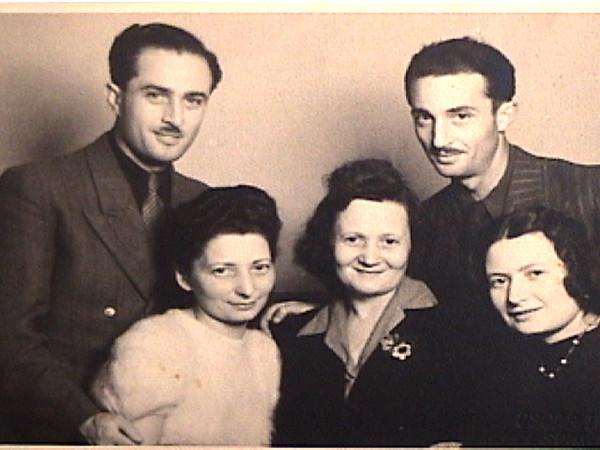 ~1946 Sanyi & Miki Glattstein (back)