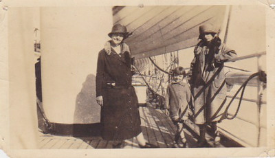 On the way to Bolivia.  Bertha Haskell.  Miriam Rose.  Lucile Rose.