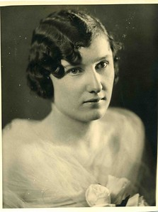 Reta (Looman) Haskins.