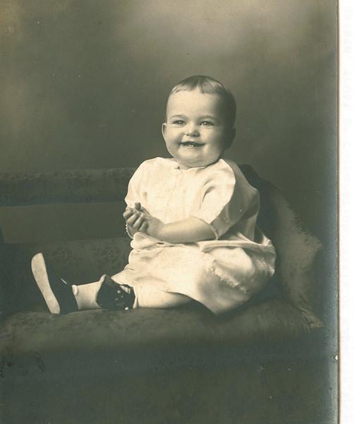 "Phyllis Arlene Dew (1925-2009) Written in the Rogers Reunion Photo Album Volume III page 31 ""Phyliss (sic) Arlene Dew b. May 2, 1925)"