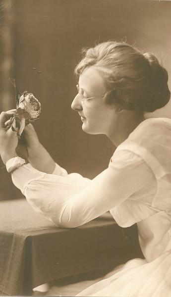 "Glenna Ellen Dew (1900-1997) Written in the Rogers Reunion Photo Album Volume III page 73 ""Glenna - grad pic? ca 1917-18?)."