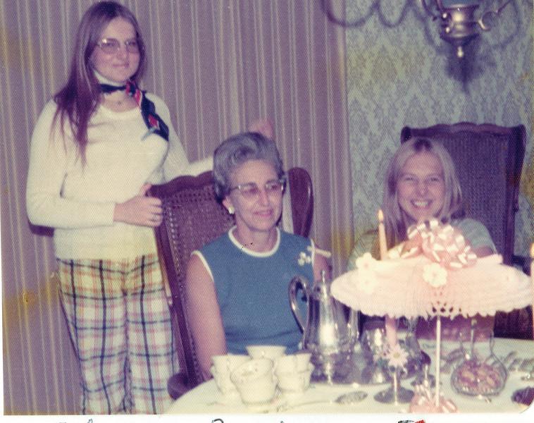 "Eileen Kay Harvey (1948-1997), Bonnie Jean (Palmer) Harvey (1924-2004), Joy Marie Harvey (1952-   ) Written in the Rogers Reunion Photo Album Volume III page 86 ""Eileen, Bonnie, Joy"""