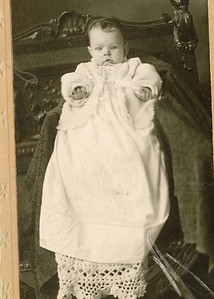 "Vera Helena Wilhemina Dew (1909-1912) Written in the Rogers Reunion Photo Album Volume III page 18 under the photo ""Vera Helena Wilhemina Dew at 5 ½ months, weight 9 ½ lbs daughter of William and Fannie Dew."""