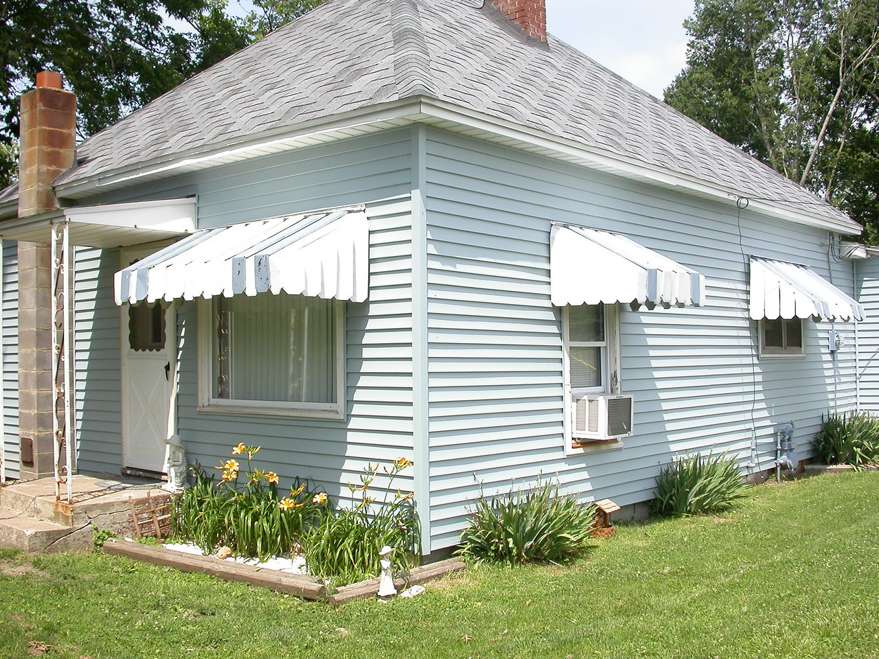 The former home of Alvey and Blanche Rukes.  Located at the north end of Depot Street in Rosedale, Indiana.  Photographed summer 2004.