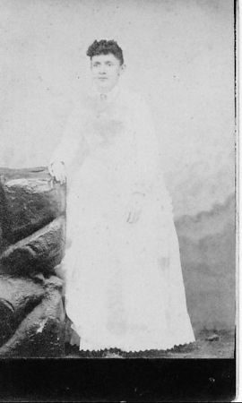 Laura Geckler Rhodes.  Wife of Ben Rhodes.  Mother of Roy Rhodes Sr.