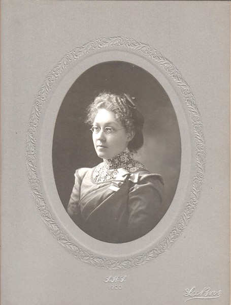 Laura Lillie, Class of 1900, Minneapolis