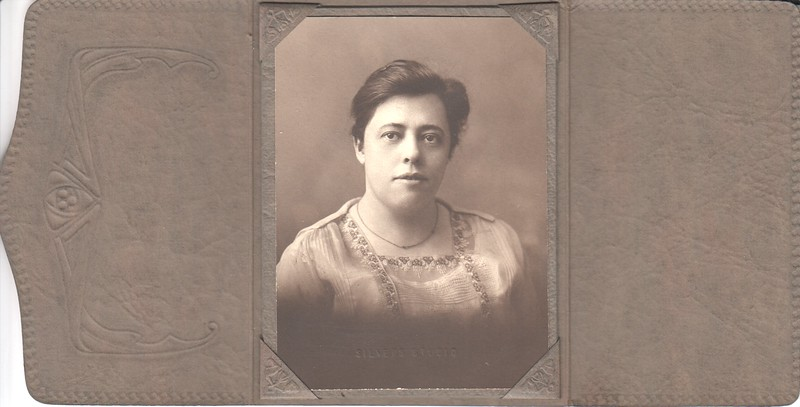One of the Whittier girls, Minneapolis