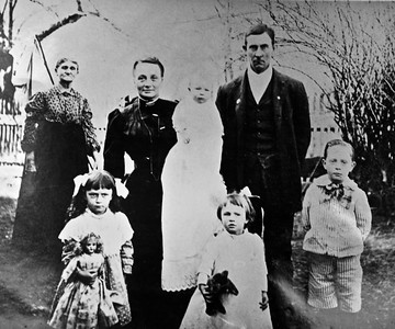 Fall 1909  Front Row (Left to Right)  Virginia Smith; Repha Smith; Hensel Smith  Back Row   Grandmother Catherine Ann (Sandy) Smith, Elizabeth Kate (Houff) Smith holding Joseph A. Smith; William Ken Smith