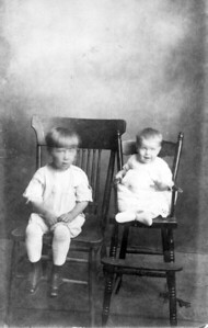 Pearl Majors and Infant Easter Helen circa 1904